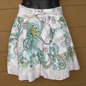 RUE21 Skirt, Paisley print on white, 5 Tie front